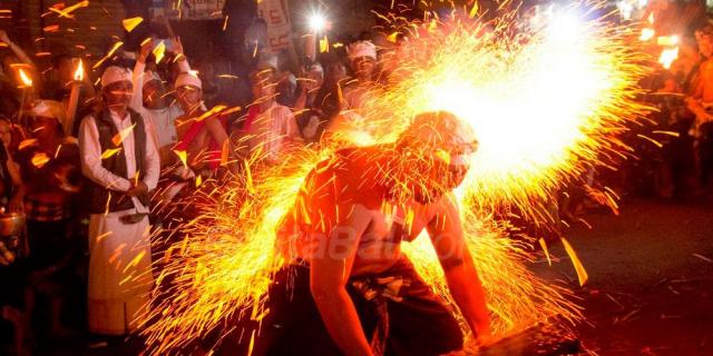 Festival di Bali - Panduan Traveling YoExplore
