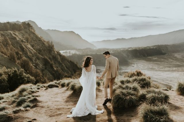 YOEXPLORE.co.id - foto pre wedding di alam terbuka