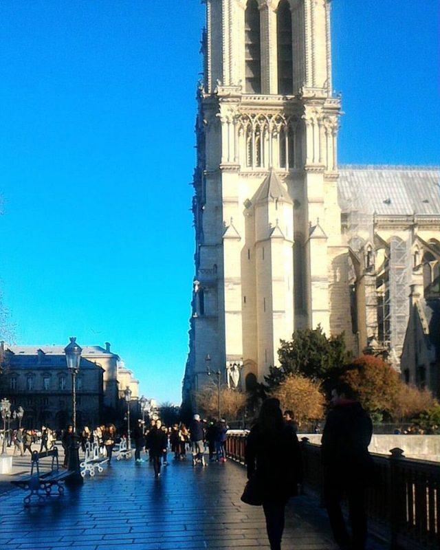 jalan jalan ke Paris - Panduan Traveling YoExplore