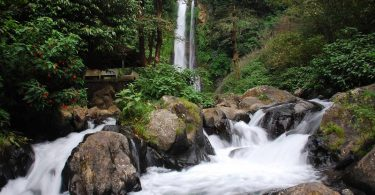objek wisata air terjun gitgit - yoexplore - panduan traveling di bali