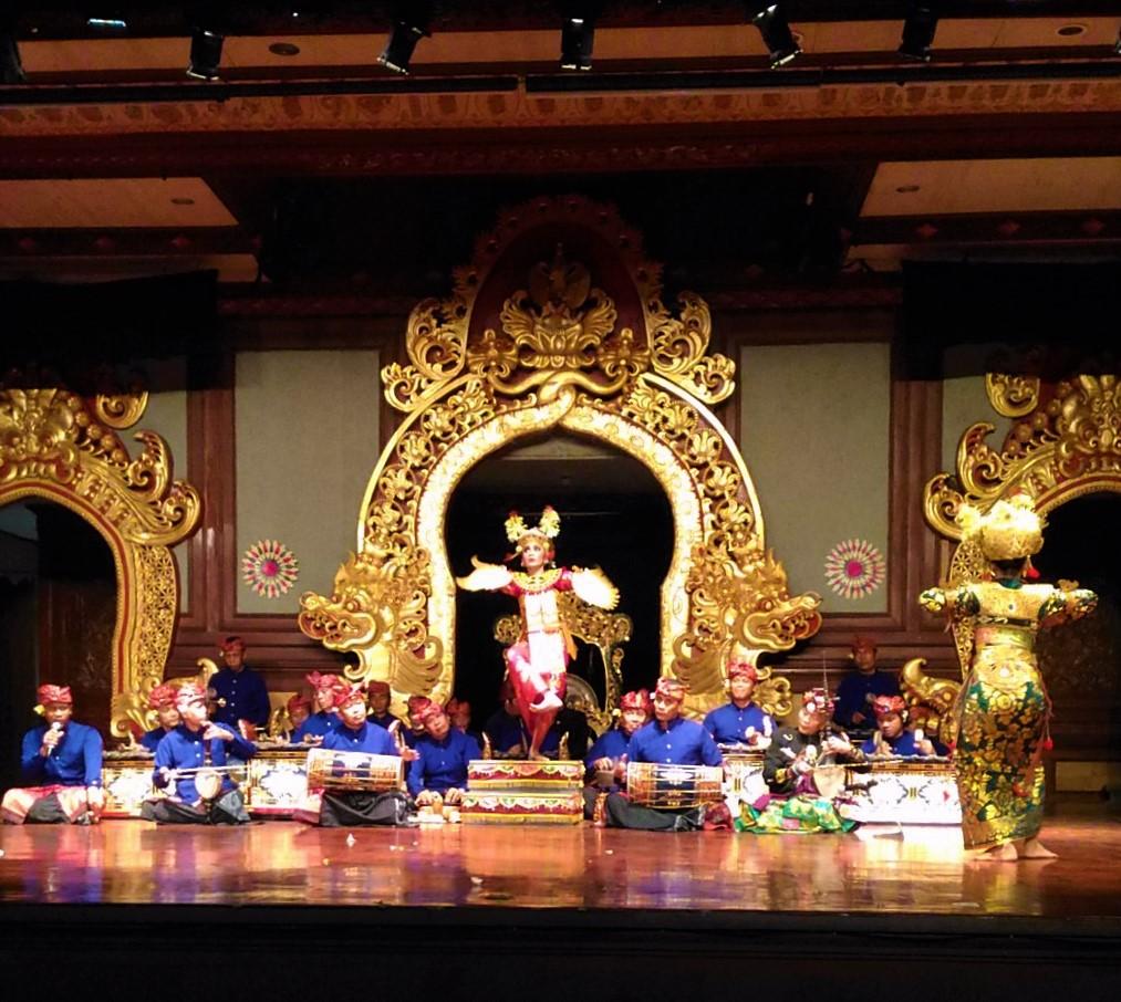 Legong Kraton Dance