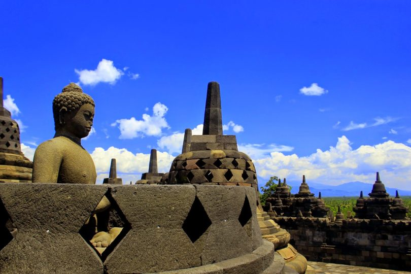 candi termegah di indonesia - yoexplore, liburan keluarga - yoexplore.co.id