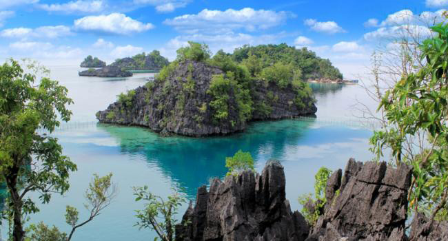 wisata pulau labengki - yoexplore, liburan keluarga - yoexplore.co.id