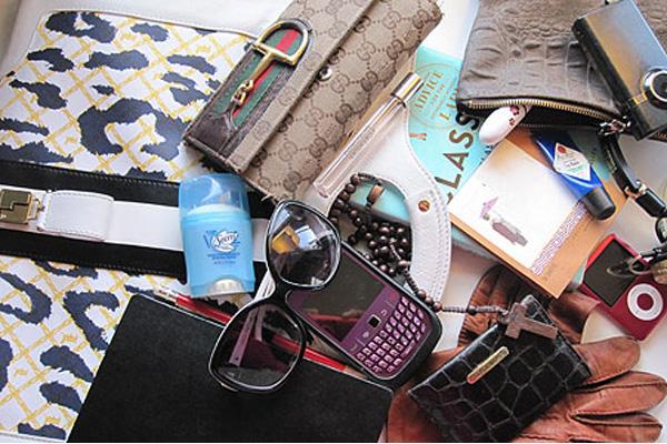 barang untuk traveling - yoexplore - yoexplore.co.id