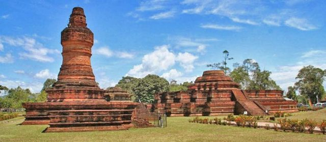 kerajaan terbesar di indonesia - yoexplore, liburan keluarga - yoexplore.co.id