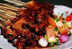 kuliner ekstrim di indonesia - yoexplore, liburan keluarga - yoexplore.co.id