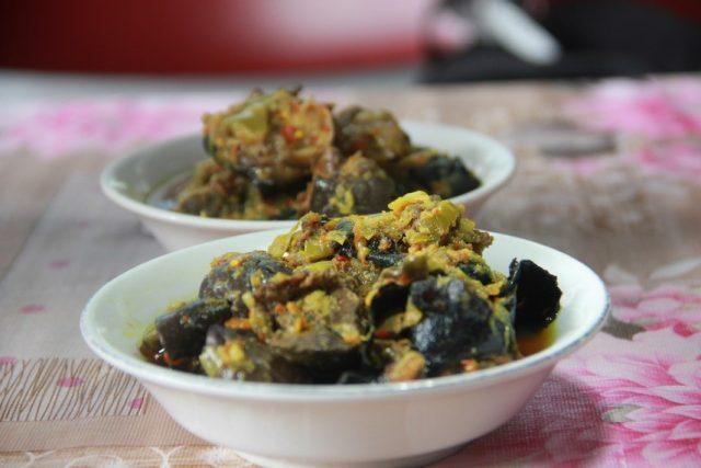 kuliner ekstrim di indoneisa - yoexplore, liburan keluarga - yoexplore.co.id