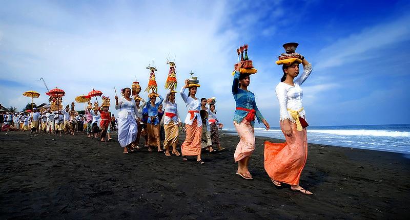 Nyepi Day in bali_Yoexplore_melasti_ceremony