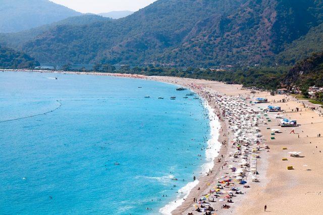 pantai terbaik di eropa - yoexplore, liburan keluarga - yoexplore.co.id