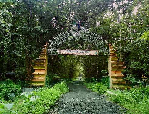 tempat wisata angker di indonesia - yoexplore, liburan keluarga - yoexplore.co.id