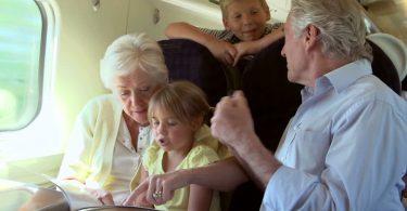 tips traveling bersama lansia - yoexplore, liburan keluarga - yoexplore.co.id