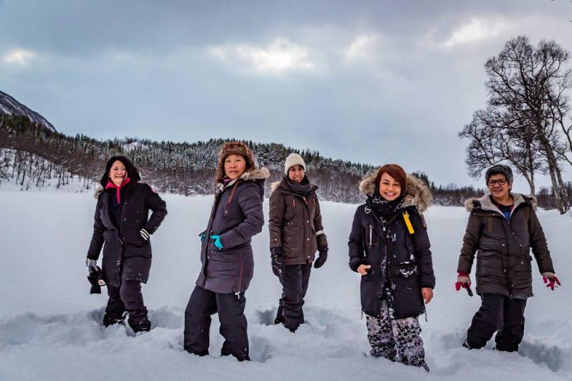 perlengkapan untuk traveling ke tempat dingin - yoexplore, liburan keluarga - yoexplore.co.id