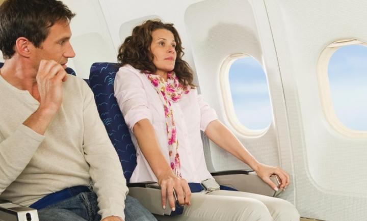 cara mudah mengatasi phobia naik pesawat - yoexplore, liburan keluarga - yoexplore.co.id
