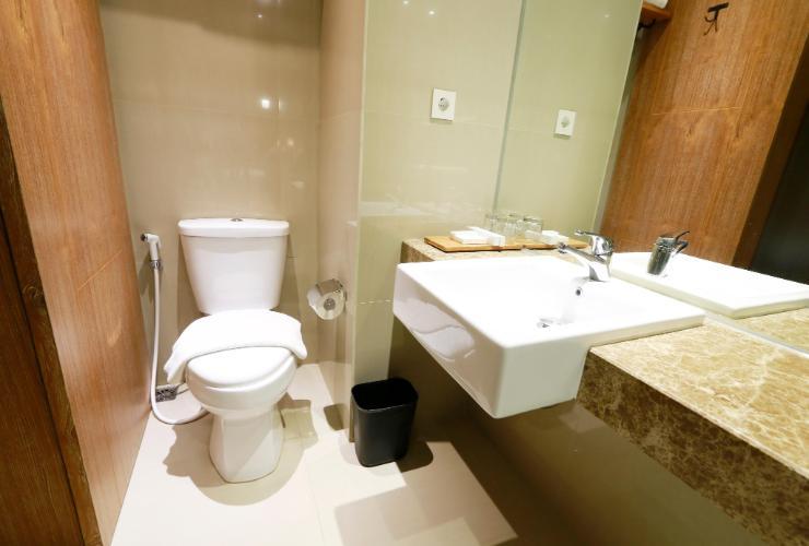 yellow star gejayan hotel - yoexplore, liburan keluarga - yoexplore.co.id
