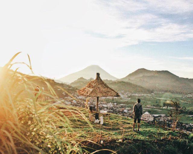 tempat sunrise di dieng - yoexplore, liburan keluarga - yoexplore.co.id