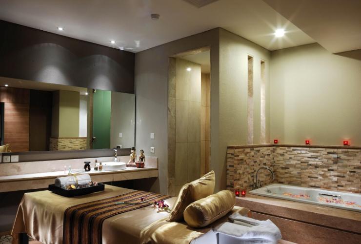Holiday Inn Bandung Pasteur - yoexplore, liburan keluarga - yoexplore.co.id