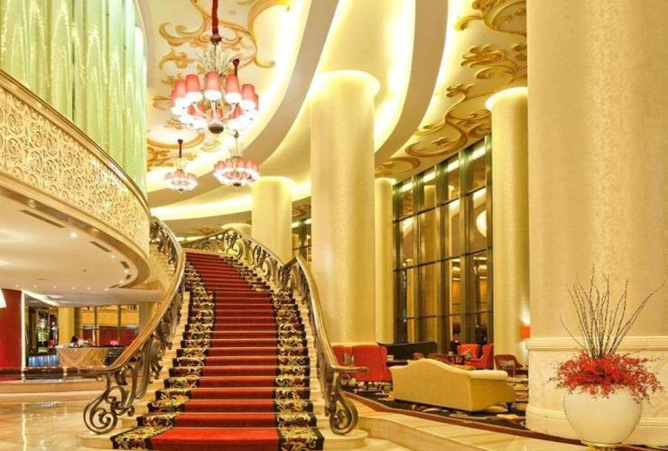 The Trans Luxury Hotel - yoexplore, liburan keluarga - yoexplore.co.id