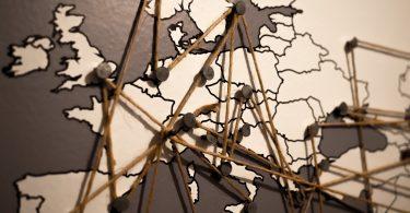 gambar besar- bekerja di luar negeri - yoexplore - qloti - pixabay