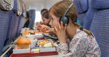 mengurangi sampah saat naik pesawat - yoexplore, liburan keluarga - yoexplore.co.id