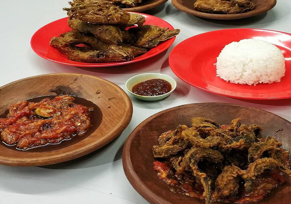 Kuliner malam di alun-alun Batu, Malang