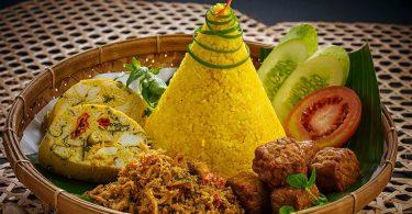 cara membuat nasi kuning - yoexplore, liburan keluarga - yoexplore.co.id