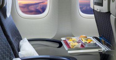cara menikmati penerbangan jauh - yoexplore, liburan keluarga - yoexplore.co.id
