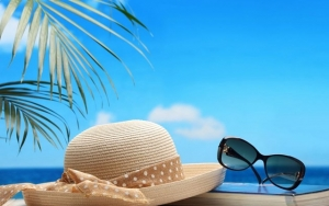 perlengkapan liburan ke pantai - yoexplore, liburan keluarga - yoexplore.co.id