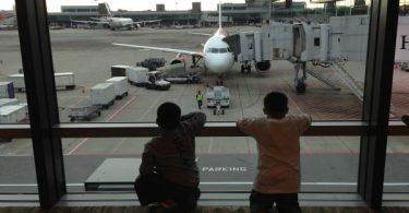 proses masuk pesawat - yoexplore, liburan keluarga - yoexplore.co.id