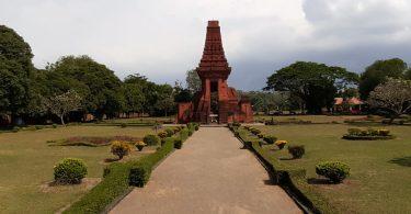 tempat bersejarah di indonesia - yoexplore, liburan keluarga - yoexplore.co.id