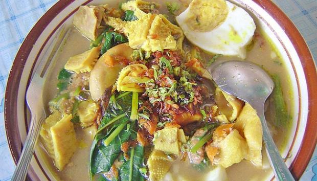 makanan khas jawa timur - yoexplore, liburan keluarga- yoexplore.co.id