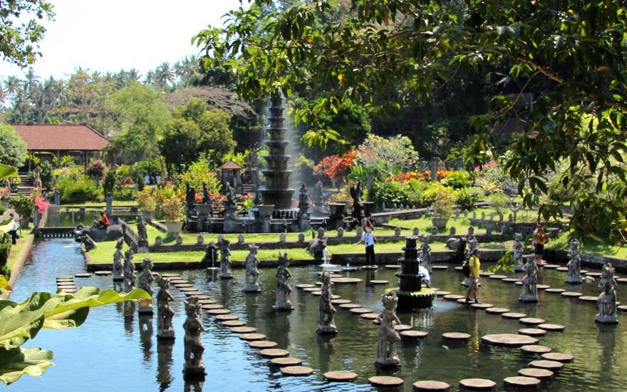 tempat wisata bali timur - yoexplore, liburan keluarga - yoexplore.co.id