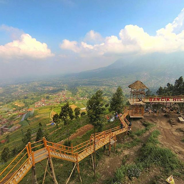 tempat wisata di solo bukit gancik