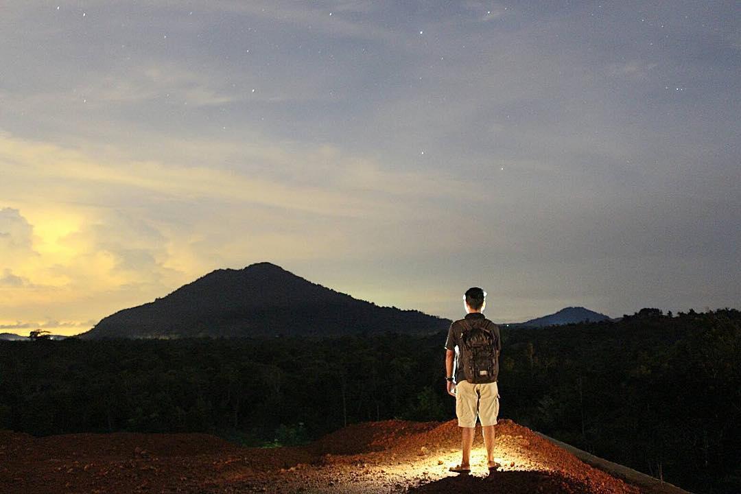 Gunung Bintan Indonesia