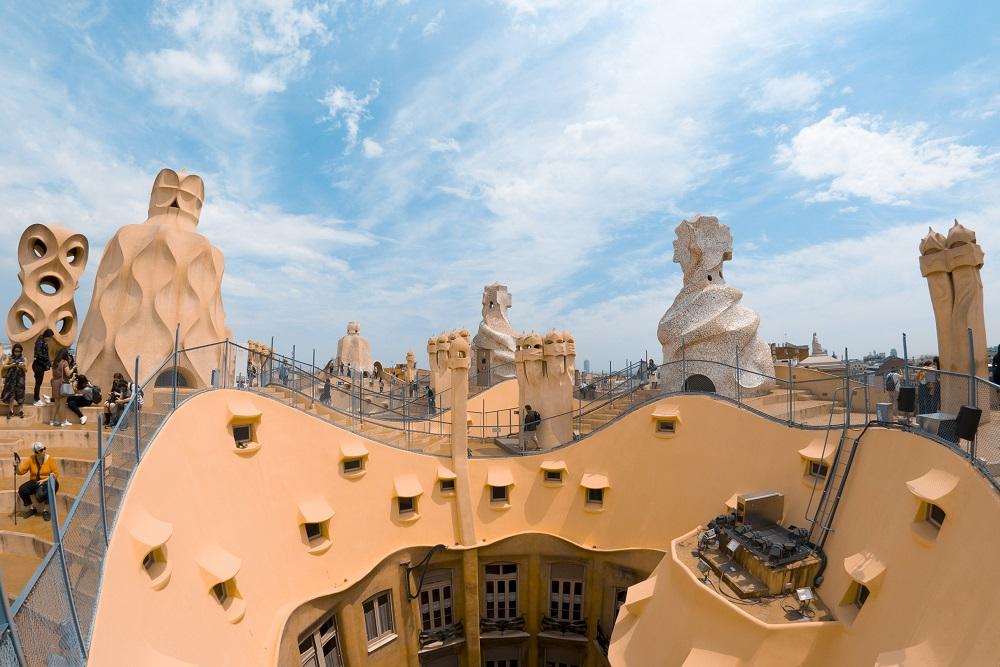 casa mila kota barcelona