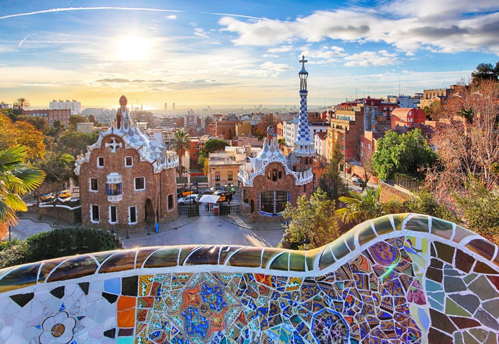 parc guell kota barcelona